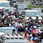 Kỹ năng học lái xe ô tô trong mưa và nơi đông người