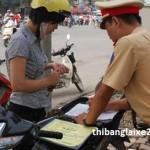 Có được tham gia giao thông không nếu đang bị giữ giấy tờ xe?
