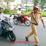 Khi nào cảnh sát giao thông được dừng xe?