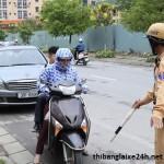 Kinh nghiệm xử lý khi bị CSGT yêu cầu dừng xe