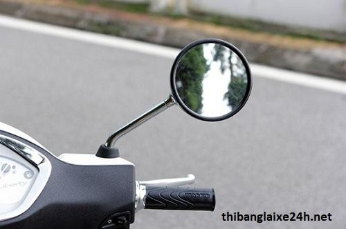 Bí kíp lắp gương xe máy để không bị phạt?