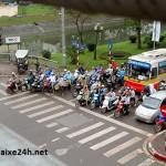 Phạt như thế nào nếu dừng xe ở làn đường được rẽ phải?