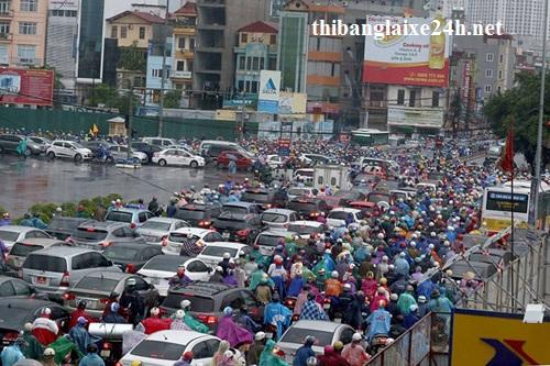 Cứ trời mưa là đường Hà Nội tắc, vì sao?